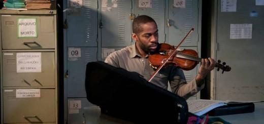 La-recensione-del-film-di-Machado.-Il-maestro-del-violino-3
