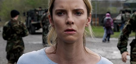 betty-gilpin-the-hunt-universal-pictures