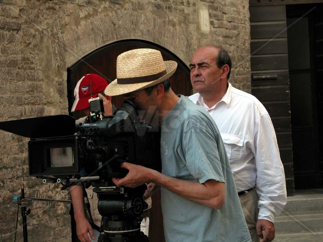 segni_particolari_appunti_per_un_film_sullemilia_romagna_giuseppe_bertolucci_003_jpg_abjs